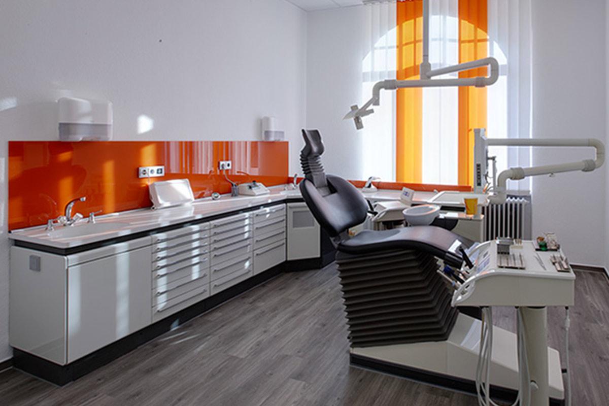 Burock Martin Zahnarzt Behandlungszimmer