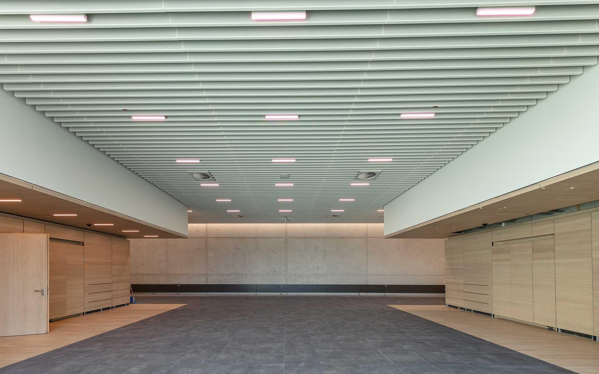 Messehalle Duesseldorf Konferenzraum Besprechung Wandverkleidun Rosink2